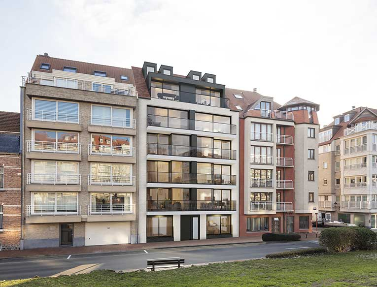 Residentie <br/> Chagall - image appartement-te-koop-knokke-heist-residentie-chagall-gevel on https://hoprom.be